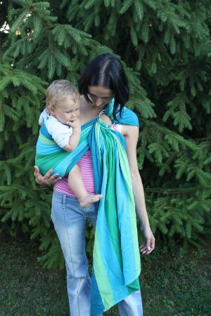 karikás kendő 1 éves gyerkőccel